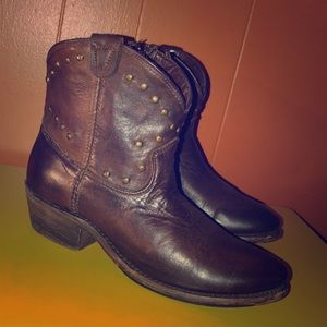 Vintage Brand Brown Studded Short Cowboy Boots